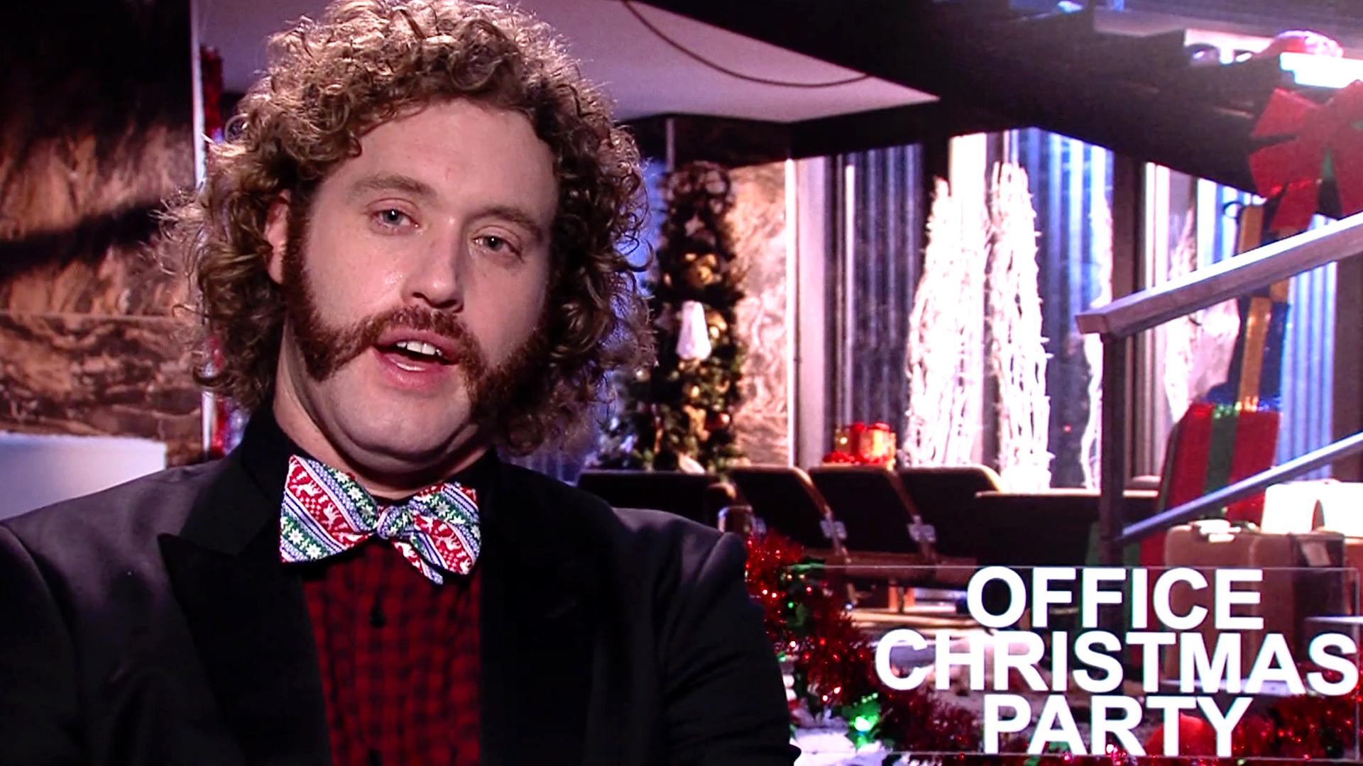 Office Christmas Party - Office Christmas Party Trailer: Kate ...